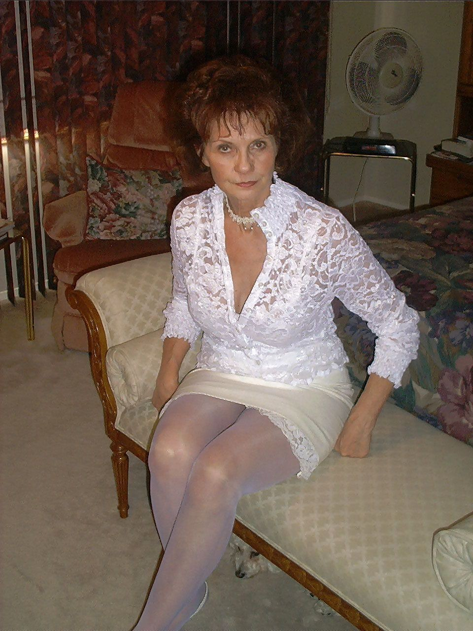 nude old women pussy pic
